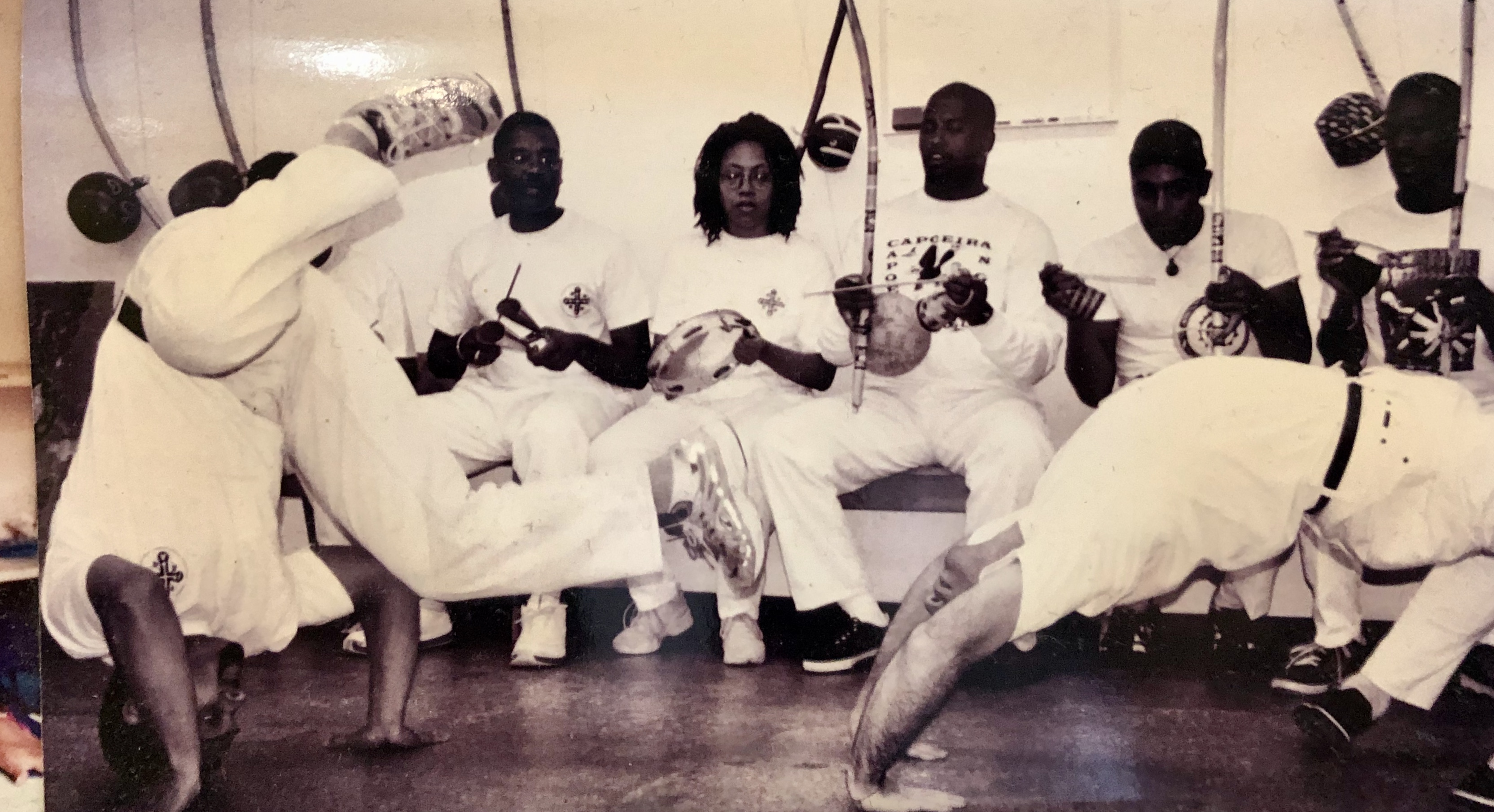 1999 Started studying capoeira with Mestre Cobra Mansa